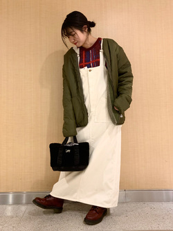 成田空港店(閉店)のKiraraさんのLeeの終了【WINTER SALE】URBAN DUNGAREES ジャンバースカートを使ったコーディネート