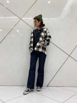 熊本COCOSA店のNANAKOさんのLeeの【期間限定10%OFFクーポン対象】【さらっと羽織れる】シャツジャケットを使ったコーディネート