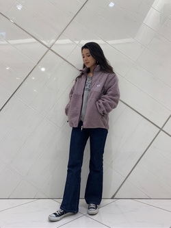 熊本COCOSA店のNANAKOさんのLeeの【ユニセックス】フリースジップアップジャケットを使ったコーディネート