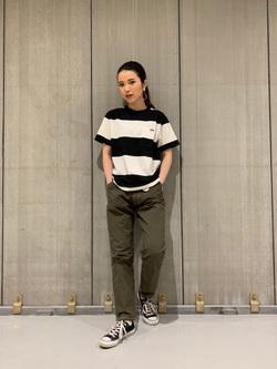 熊本COCOSA店のNANAKOさんのLeeの終了【サマーセール】【男女兼用】ボーダーTシャツ 半袖を使ったコーディネート