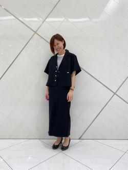 熊本COCOSA店のakiyoさんのLeeの【シークレットセーール!!】SEASONAL EDITION スリット スカートを使ったコーディネート