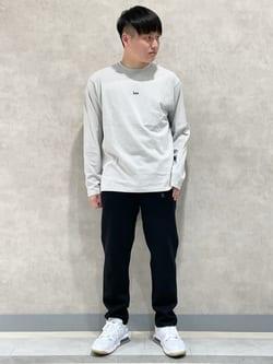 Lee 名古屋店のTomoさんのLeeの【ユニセックス】バックプリント 長袖Tシャツを使ったコーディネート