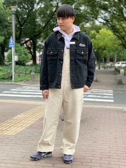 Lee 名古屋店のTomoさんのLeeの【トップス15%OFFクーポン対象】【男女兼用】刺繍Leeロゴ パーカーを使ったコーディネート
