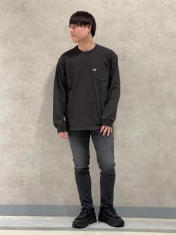 Lee 名古屋店のTomoさんのLeeのワンポイントロゴ刺繍ポケット付きTシャツ/長袖を使ったコーディネート