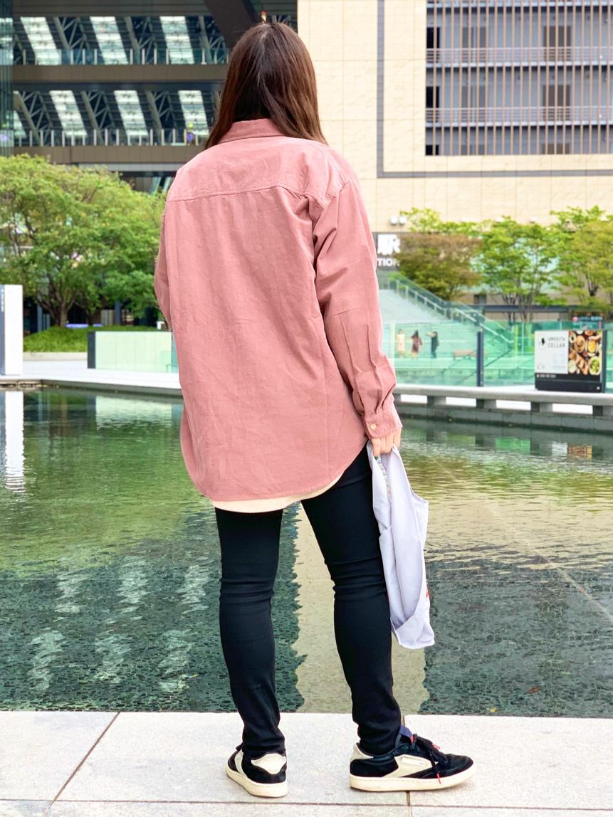 LINKS UMEDA店のR!さんのEDWINのEDWIN LADIES ラウンドヘム ロングスリーブTシャツを使ったコーディネート