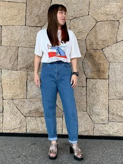 LINKS UMEDA店のR!さんのEDWINの【限定】ジーパン女子×江口寿史 Tシャツ Shoelace 【ユニセックス】を使ったコーディネート