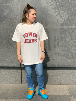 LINKS UMEDA店のR!さんのEDWINの終了【サマーセール】カレッジロゴ Tシャツ 半袖 Aを使ったコーディネート