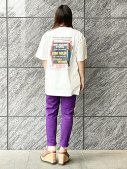 LINKS UMEDA店のR!さんのEDWINの【EDWIN 60周年限定】25色カラースリムを使ったコーディネート
