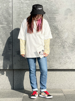 LINKS UMEDA店のR!さんのSOMETHINGのSOMETHING バスクシャツを使ったコーディネート