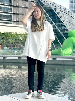 LINKS UMEDA店のR!さんのEDWINの【EDWIN 60周年限定】 クルーネック 半袖Tシャツ Cを使ったコーディネート