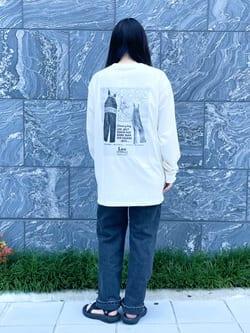 DENIM GALAXY南堀江店のR!さんのLeeの【ユニセックス】バックプリント 長袖Tシャツを使ったコーディネート