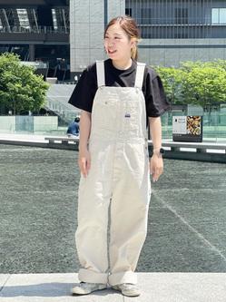 LINKS UMEDA店のR!さんのEDWINのラベルポケット クルーネック 半袖Tシャツを使ったコーディネート