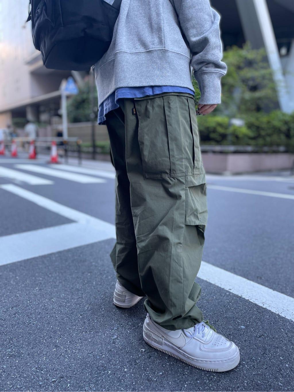 ALPHA SHOP渋谷店のmoe さんのALPHAのM-51 ワイドカーゴパンツを使ったコーディネート