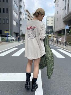 ALPHA SHOP渋谷店のmoe さんのALPHAのピンナップガール 長袖Tシャツを使ったコーディネート