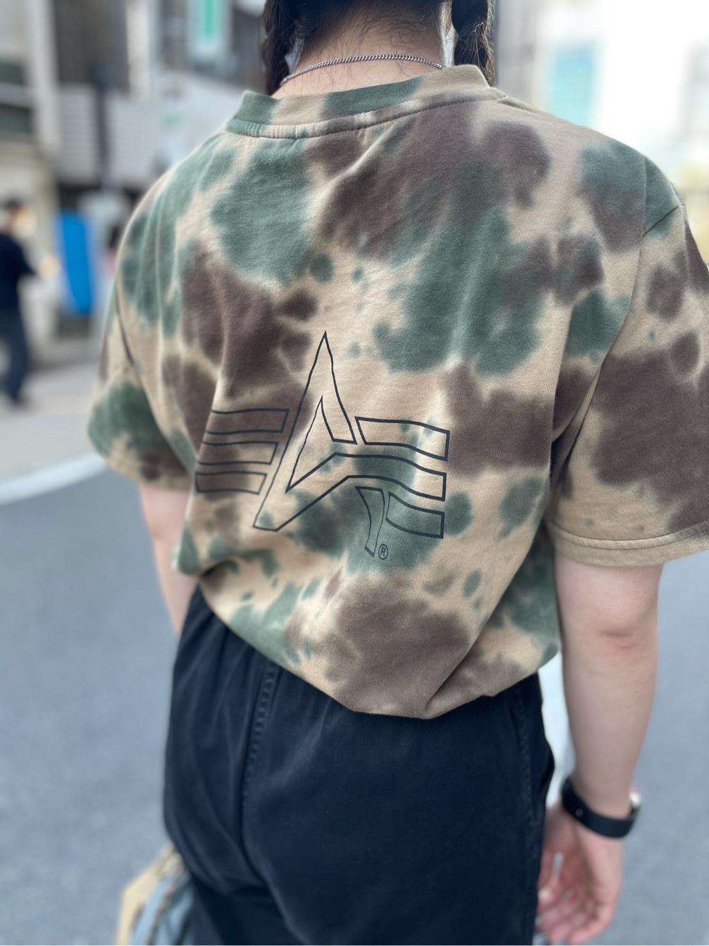ALPHA SHOP渋谷店のmoe さんのALPHAの【ALPHA×GRAMICCI(グラミチ)】タイダイ ビックサイズ半袖Tシャツを使ったコーディネート