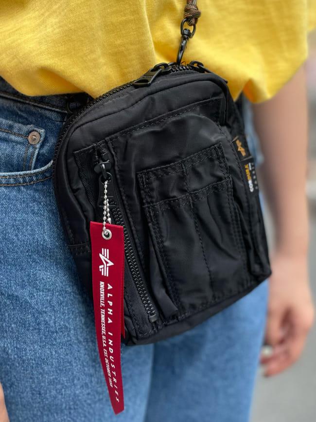 ALPHA SHOP渋谷店のmoe さんのALPHAの【再値下げSALE】A.I PHYS.ED ビンテージプリントTシャツを使ったコーディネート