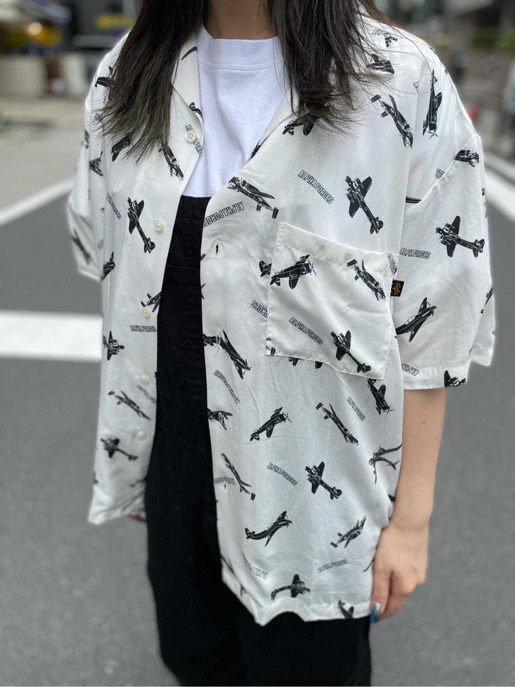ALPHA SHOP渋谷店のmoe さんのALPHAの【SALE】総柄 レーヨンオープンカラーシャツを使ったコーディネート