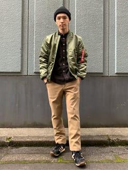日暮里駅前店のシュンイチさんのEDWINのボタンダウンシャツ 長袖(コーデュロイ)を使ったコーディネート