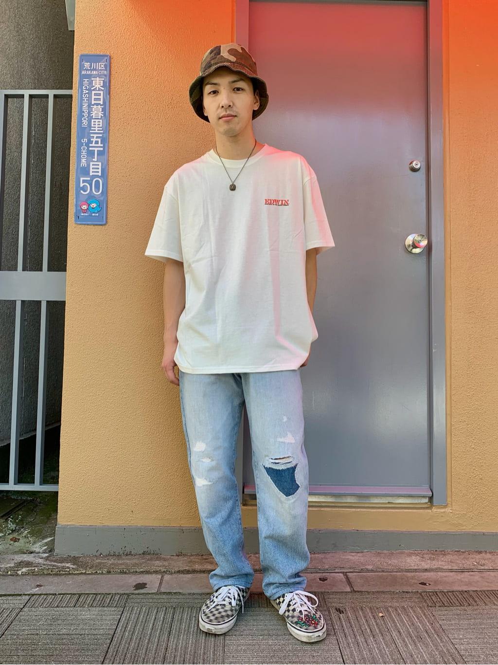 日暮里駅前店のシュンイチさんのEDWINの【EDWIN 60周年限定】 クルーネック 半袖Tシャツ Cを使ったコーディネート