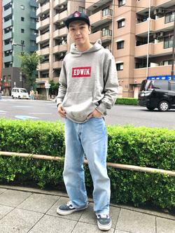 日暮里駅前店のシュンイチさんのEDWINのBOXロゴ スウェットパーカーを使ったコーディネート