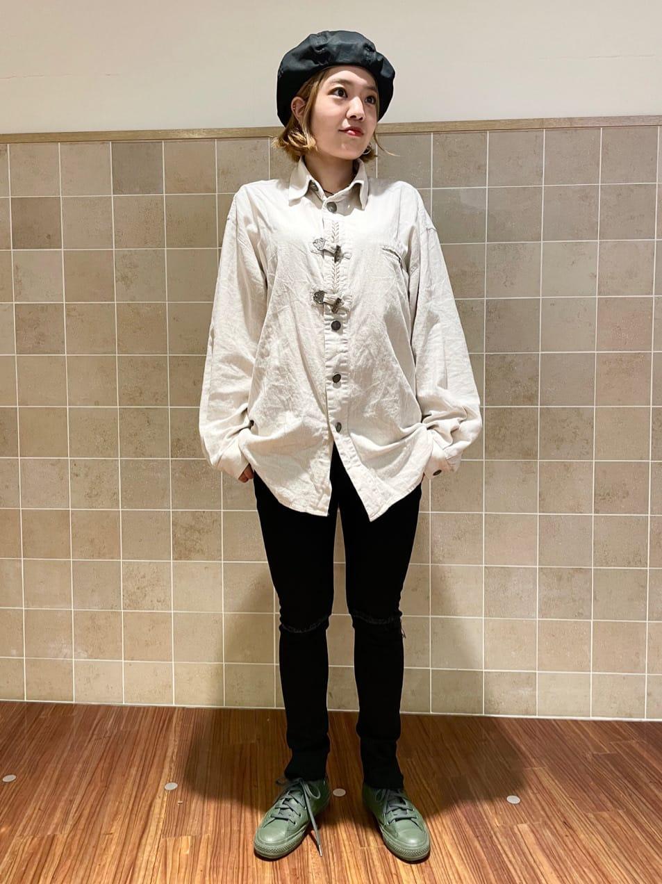 有楽町マルイ店のKaeさんのEDWINの【デニム15%OFFクーポン対象】A KIND OF BLACK SKINNY スキニーパンツを使ったコーディネート