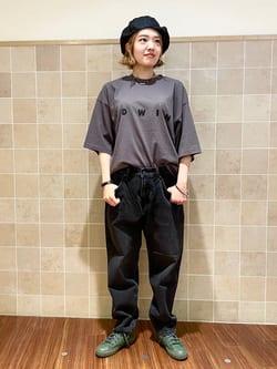 有楽町マルイ店のKaeさんのEDWINのA KIND OF BLACK BIG FIT Tシャツを使ったコーディネート