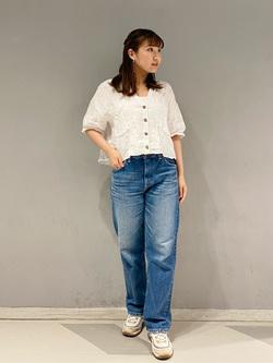 大阪店のAYAHOさんのLeeの【otonaMUSE掲載】【毎日履きたい】ボーイズストレートパンツを使ったコーディネート