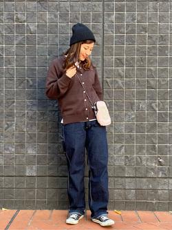大阪店のAYAHOさんのLeeのふっくらボア ポーチを使ったコーディネート