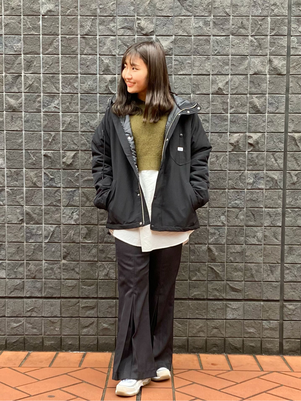 大阪店のAYAHOさんのLeeの【再値下げ Winter sale】【柔らかく揺れる】プリーツ フレアーパンツを使ったコーディネート