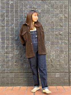 大阪店のAYAHOさんのLeeの【オールシーズン着回せる】オーバーオール テーパードを使ったコーディネート