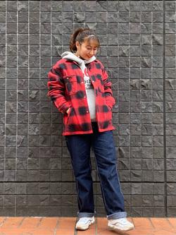 大阪店のAYAHOさんのLeeの【Winter sale】【さらっと羽織れる】シャツジャケットを使ったコーディネート