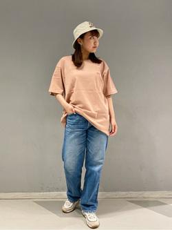 大阪店のAYAHOさんのLeeの【ユニセックス】バックプリント 半袖Tシャツを使ったコーディネート