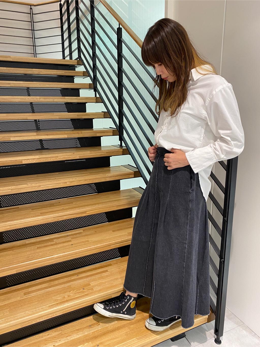 錦糸町PARCO店のmikiさんのSOMETHINGの【GISELe 9月号掲載】SOMETHING LILY SKIRTを使ったコーディネート