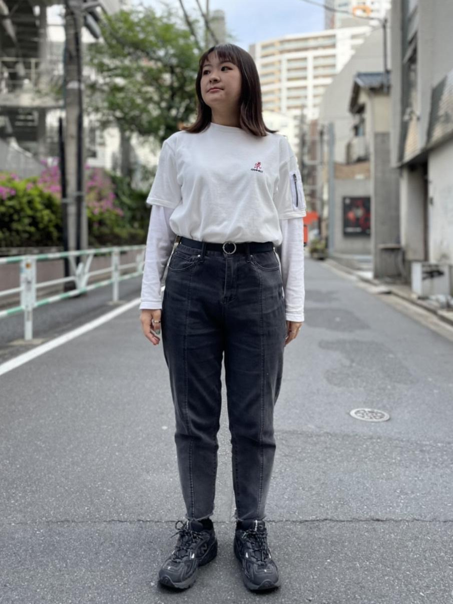 ALPHA SHOP渋谷店のn a n a s a さんのALPHAの【ALPHA×GRAMICCI(グラミチ)】シガレットポケット 半袖Tシャツを使ったコーディネート