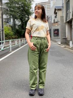 ALPHA SHOP渋谷店のn a n a s a さんのALPHAの【ALPHA×GRAMICCI(グラミチ)】タイダイ ビックサイズ半袖Tシャツを使ったコーディネート