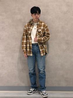 Lee 名古屋店のKazumaさんのLeeの【ユニセックス】バックプリント 長袖Tシャツを使ったコーディネート