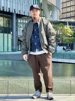 LINKS UMEDA店の番場 祐太郎さんのEDWINの【決算SALE】F.L.E ワイド テーパードを使ったコーディネート