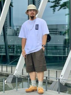 LINKS UMEDA店の番場 祐太郎さんのEDWINの【SALE】2タック チノ ショートパンツを使ったコーディネート