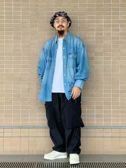 ルクア大阪の番場 祐太郎さんのLeeのSUPERSIZED デニムシャツを使ったコーディネート