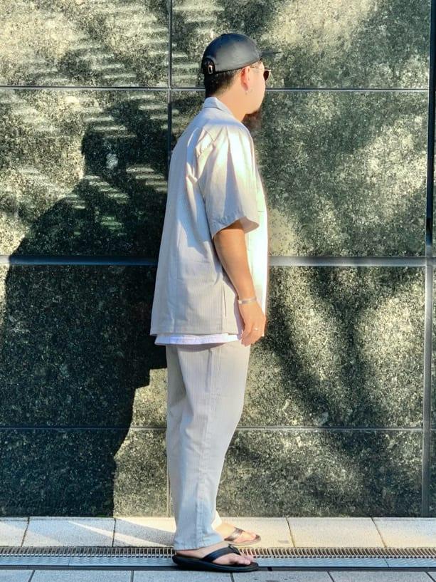 LINKS UMEDA店の番場 祐太郎さんのEDWINの【SALE】歩クール イージー8ポケット 半袖シャツを使ったコーディネート