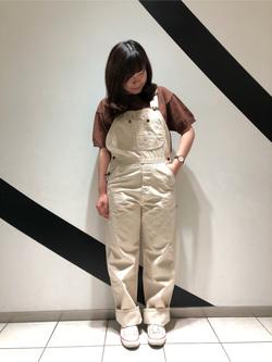 札幌パセオ店のPinanchosuさんのLeeの【年間ベストセラー】オーバーオールを使ったコーディネート