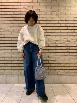 札幌パセオ店のPinanchosuさんのLeeの終了【SPRING SALE】Lee刺繍ロゴ ゆるっとスウェットを使ったコーディネート