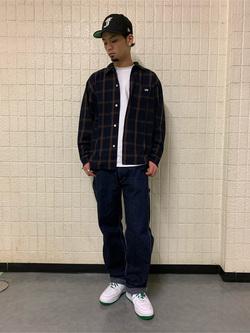 ルミネエスト新宿店のYukiyaさんのLeeの【ユニセックス】DUNGAREES ペインターパンツを使ったコーディネート