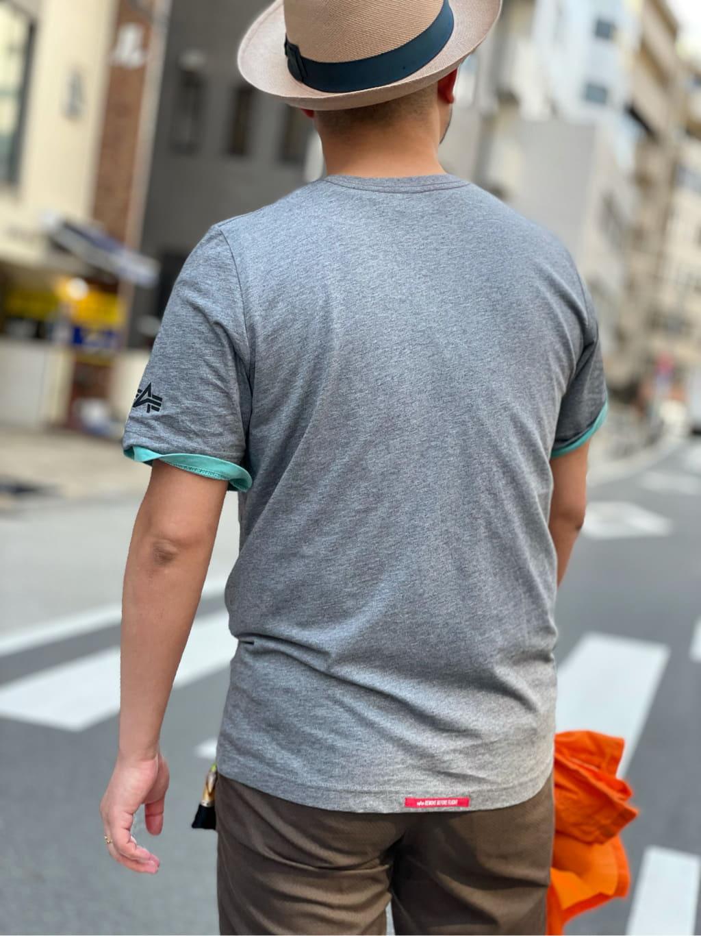 ALPHA SHOP渋谷店のKataoka.RさんのALPHAの【直営店限定】ALPHA×PLAYBOY MATCHSTICK Tシャツを使ったコーディネート
