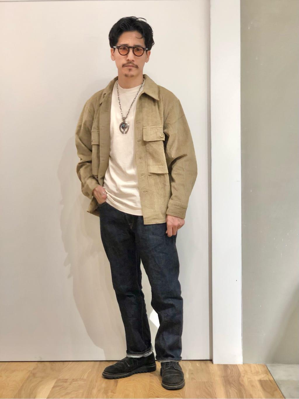 LINKS UMEDA店のサカモトヒロシさんのALPHAのM-43 コーデュロイシャツジャケットを使ったコーディネート