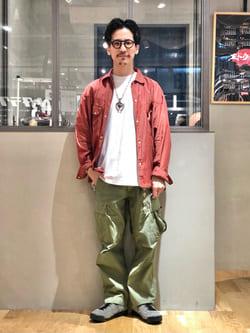 LINKS UMEDA店のサカモトヒロシさんのALPHAの【試着対象】【期間限定10%OFF】ジャングルカーゴパンツを使ったコーディネート