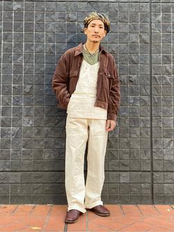 大阪店のサカモトヒロシさんのLeeのエプロンオーバーオールを使ったコーディネート