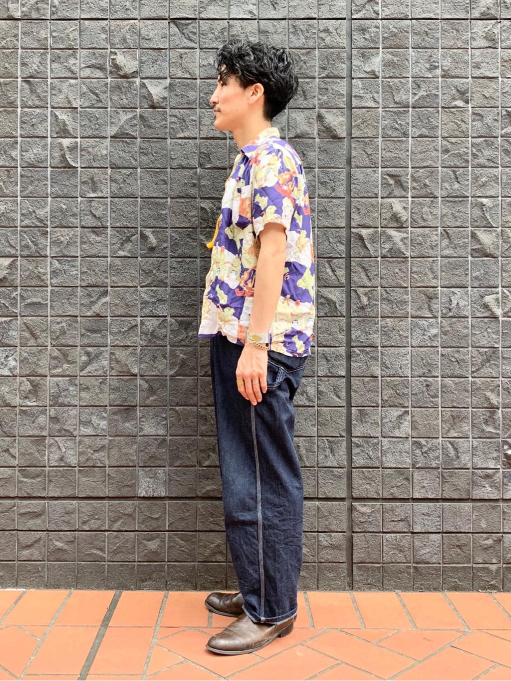 大阪店のサカモトヒロシさんのLeeの【年間ベストセラー】オーバーオールを使ったコーディネート