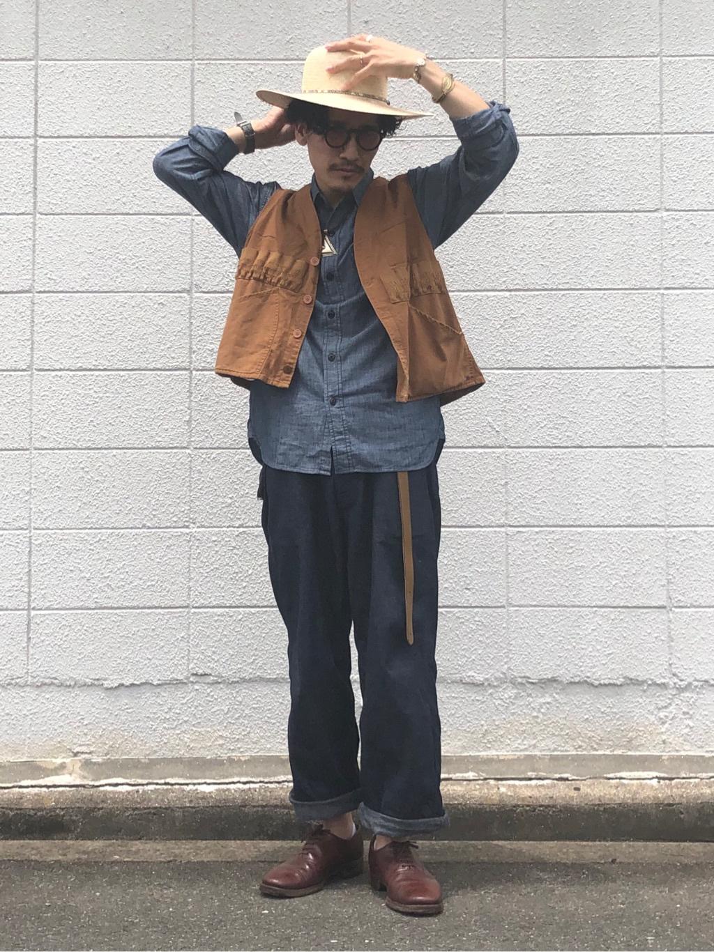 大阪店のサカモトヒロシさんのLeeのシャンブレーワークシャツ長袖を使ったコーディネート