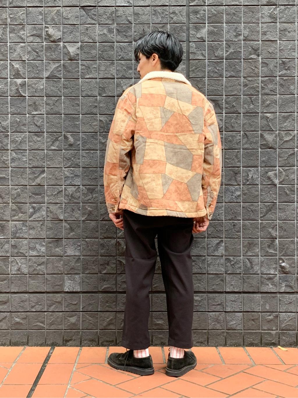 大阪店のサカモトヒロシさんのLeeの【オールシーズン使える】ラクして決まる イージーワイドパンツを使ったコーディネート